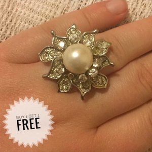 BOGO FREE Flower And Pearl Ring